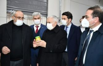 Binali Yıldırım Ahmetli'de ziyaretlerde bulundu