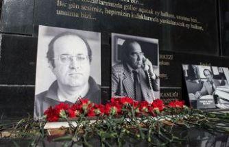 Gazeteci yazar Uğur Mumcu, kabri başında anıldı