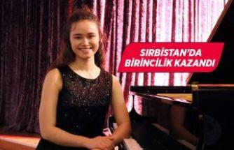 İzmirli genç piyanist, uluslararası yarışmada birinci oldu