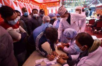 Nepal'de Kovid-19'a karşı aşılama başladı