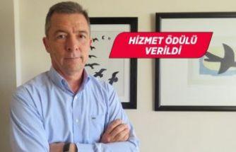 """Rotary'den Prof. Dr. Sayıner'e """"Rotary hizmet ödülü"""""""