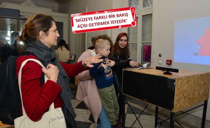 İzmir'de ziyaretçilerin müzik yapabildiği sergi