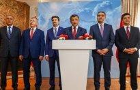 Davutoğlu'nun parti ismi için masasındaki üç seçenek
