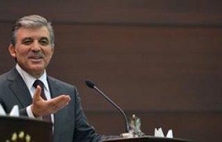Gül'den Dış Politika Eleştirisi