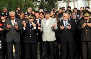 Şehit Polis Memuru Gözyaşlarıyla Uğurlandı