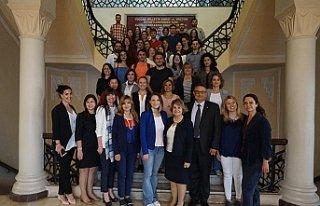 'İş yaşamında kadın' öğrencilere ders...
