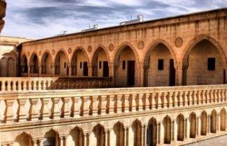 Kilise ve manastırlar Süryanilere teslim edildi