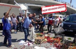 Bayraklı'da esnaf bu kez sebze meyveyi belediye...
