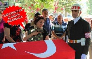 İzmir, şehidine veda etti