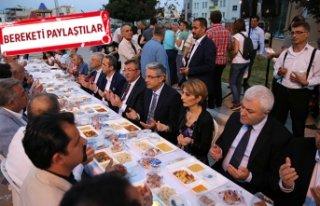 Karşıyaka'da 2 bin kişilik iftar!