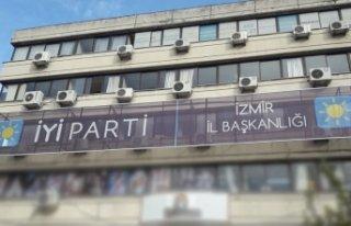İYİ Parti İzmir'de çok sayıda ilçe başkanı...