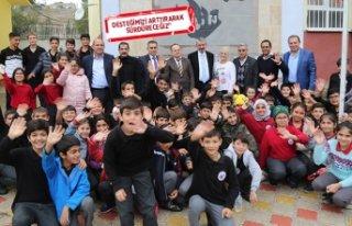 Gaziemir Belediye Başkanı Şenol'a eğitimcilerden...