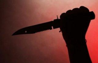 Okula gitmek istemeyen çocuk annesine bıçakla saldırdı!