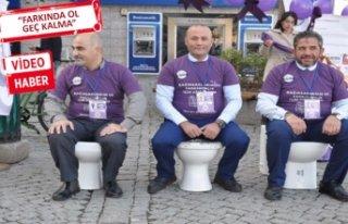 İzmir'de Kolit ve Crohn hastalarından klozete...