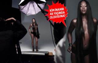 Naomi Campbell reklam kampanyası için üstsüz poz...