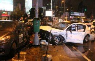 Beşiktaş'ta trafik kazası!