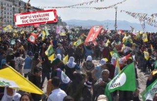 İzmir'deki nevruz kutlamasının ardından 16...