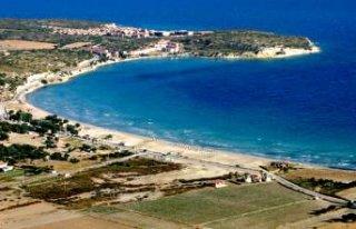 Çeşme'de halk plajı açıldı