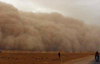 O ülkeyi toz fırtınası, yağmur ve dolu vurdu