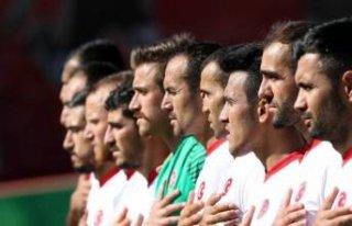 Türkiye Yunanistan maçı öncesi skandal kararlar!