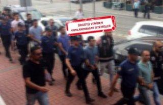 İzmir merkezli dev operasyonu: Muvazzaf askerler...