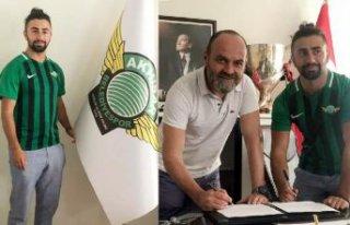 Akhisarspor'da Çekdar imzaladı