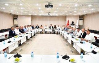 CHP İzmir'de dev zirve: İnsanlar hata yapabilir,...