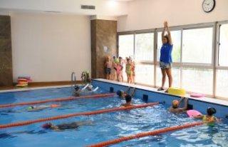 Çiğli'de yüzme kursları yaz kış var