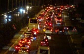 Edremit Körfezi'nde trafik durma noktasına...