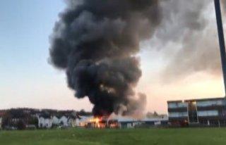 İskoçya'da okulda korkutan yangın