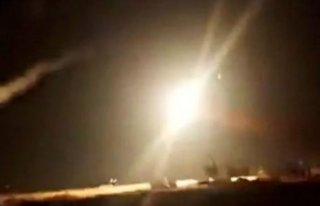 İsrail'den garip hamle: Suriye'yi vurdular, bir...