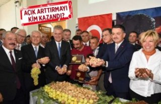İzmir Ticaret Borsası'nda ilk ürün heyecanı