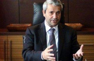 Eski bakan Nihat Ergün AK Parti'den istifa etti!