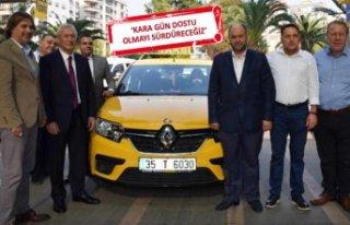 İzmirli taksicilerden örnek davranış