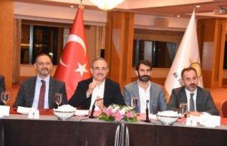 AK Partili Sürekli'den mesaj bombardımanı!