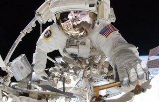 Uluslararası Uzay İstasyonu'ndaki astronotlar...