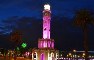 İzmir Saat Kulesi'ne Prematüre Rengi