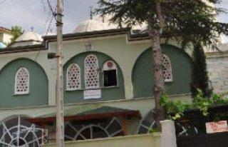 Camiye Yıldırım Düştü, 1 Kişi Yaralandı