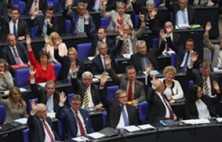 Almanya Sözde Soykırımı Kabul Etti