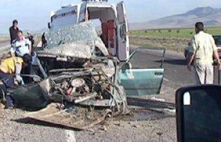Otomobil Takla Attı 1 Ölü 3 Yaralı