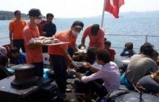 42 Afgan Kaçağı Sahil Güvenlik Kurtardı