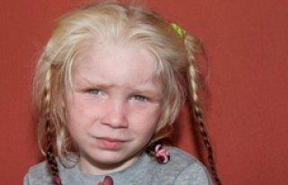 Avrupa Bu Kızın Ailesini Arıyor