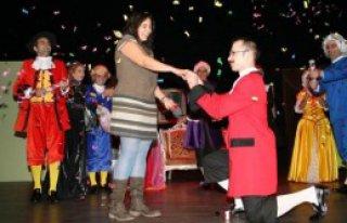 Tiyatro Sahnesinde Süpriz Evlilik Teklifi