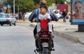 Nasrettin Hoca'ya Özenip, Motosiklete Ters Bindi