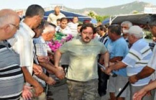 Dalyan'da Kayıkla Cenaze Nakli