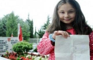 8 Yaşındaki Ece, Şehit Babasına Mektup Yazdı