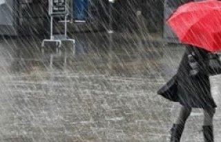 İzmir'de Sağanak Yağış!