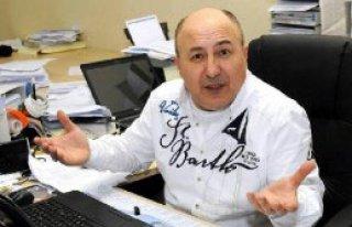 Belediyeye İki Yılda 3 Bin 500 Dilekçe Yazdı