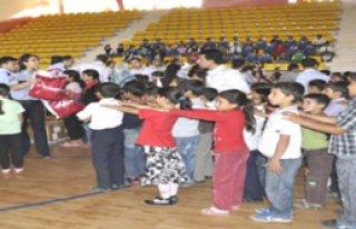 Siverek'te 400 Öğrenciye polis yardımı