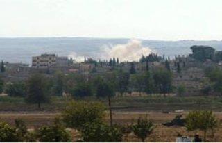 IŞİD Kobani'ye Bayrak Çekti